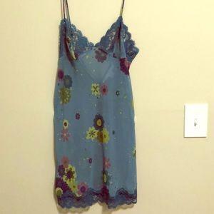 Victoria's Secret Nightgown/chemise SZ Sm EUC